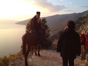 Auf der Athos-Halbinsel bdewegt man sich zu Fuß oder auf Mulis vorwärts