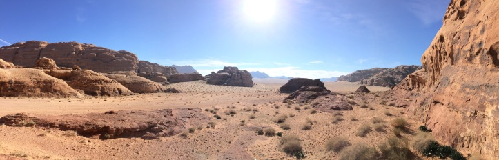 Wanderung durch den Wadi Rum in Jordanien