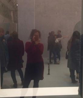 Reflektierender Bilderrahmen macht nur Selfie möglich