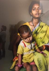Indische Frauen, die Opfer von Gewalt wurden, zeigt Helena Schätzle